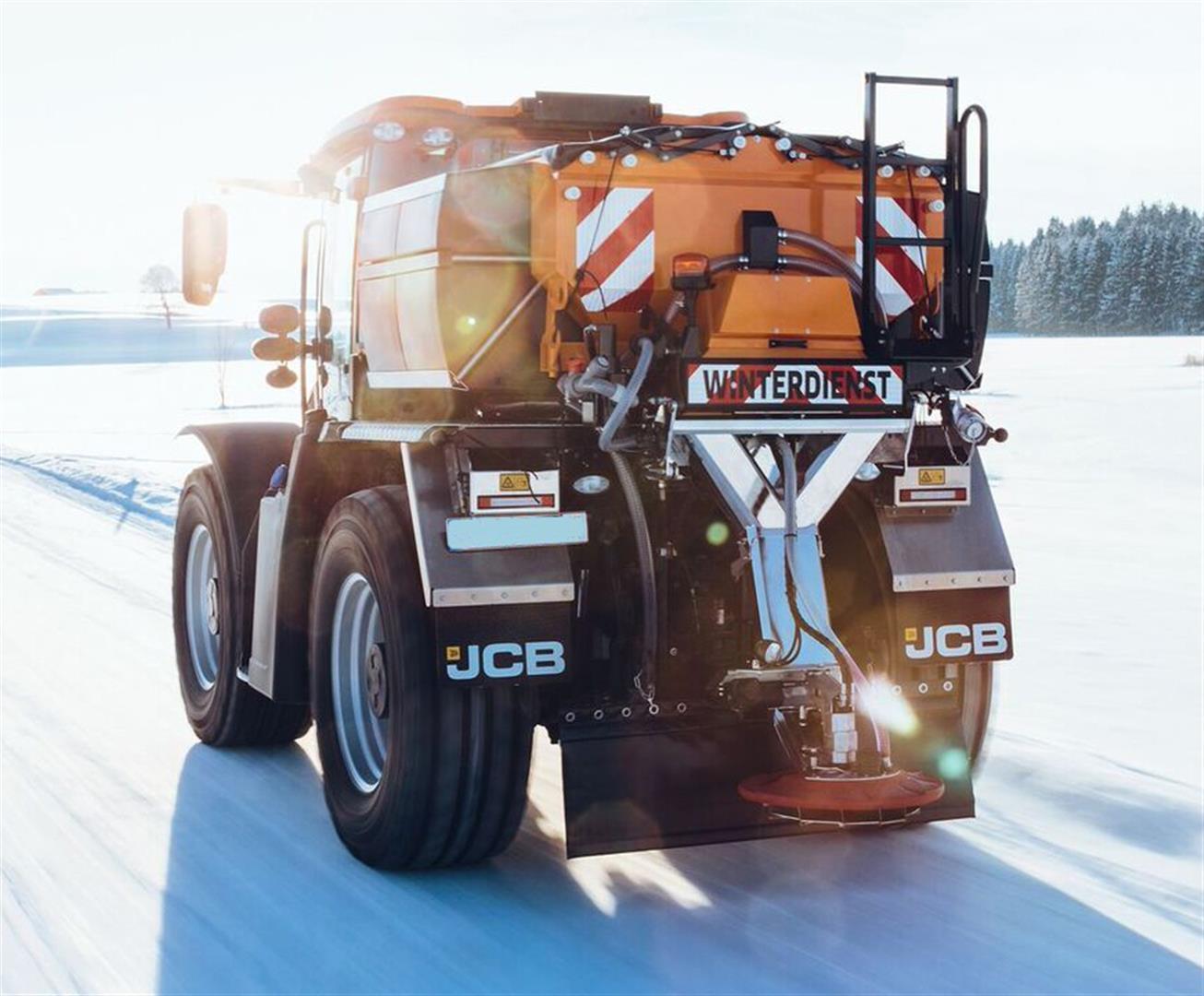 JCB Fastrac 4000 Kommunal, Winterdienst, Streuen